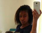 une black sexy en selfie