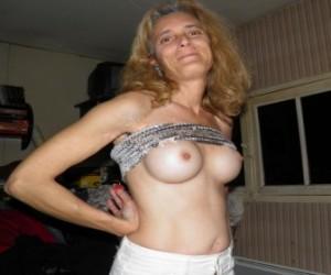 seins d'une mature chaude